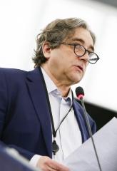Ricardo Serrão Santos defende criação de instrumento financeiro que privilegie pescadores dos Açores e da Madeira