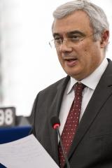 É urgente corrigir os defeitos da União Económica e Monetária