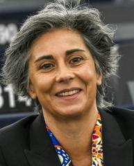 Estados-membros devem suspender venda de tecnologia e armas ao Egito